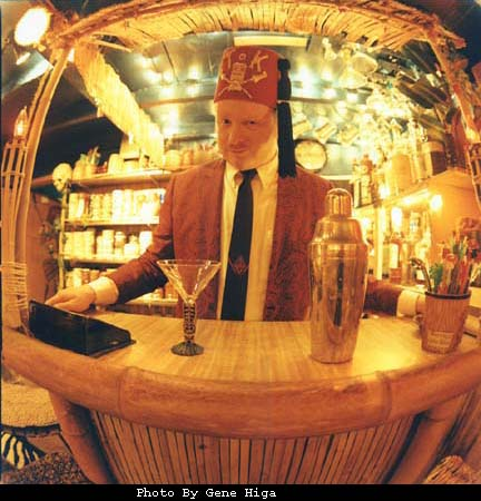 Tiki King in the lounge