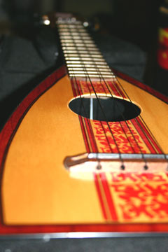 surf fluke ukulele by Tiki King, detail